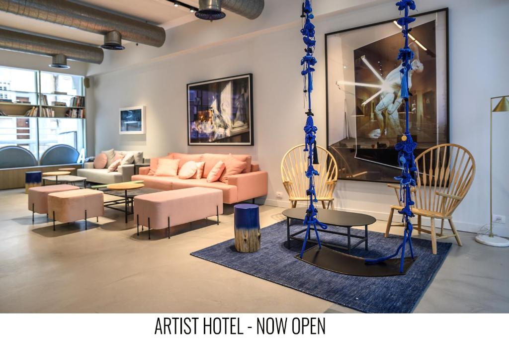 A seating area at Artist Hotel - an Atlas Boutique Hotel