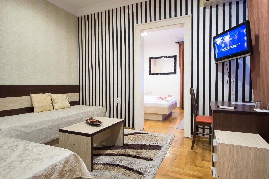 Atlas City Center Suites