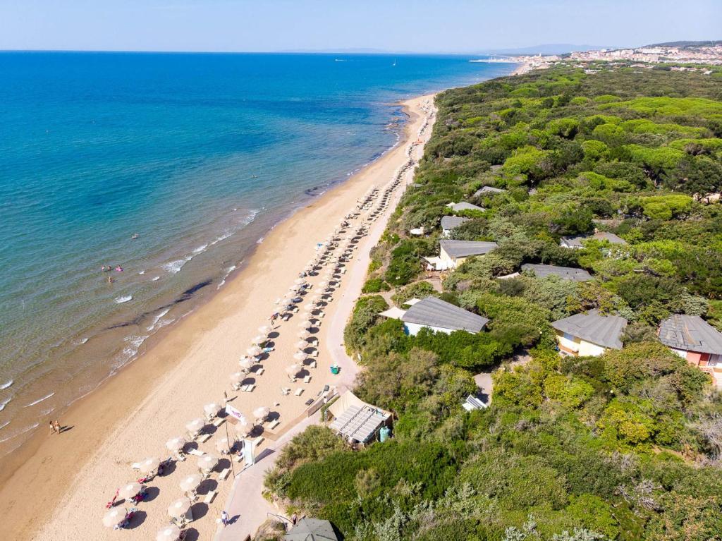 Vista aerea di Resort Riva Degli Etruschi