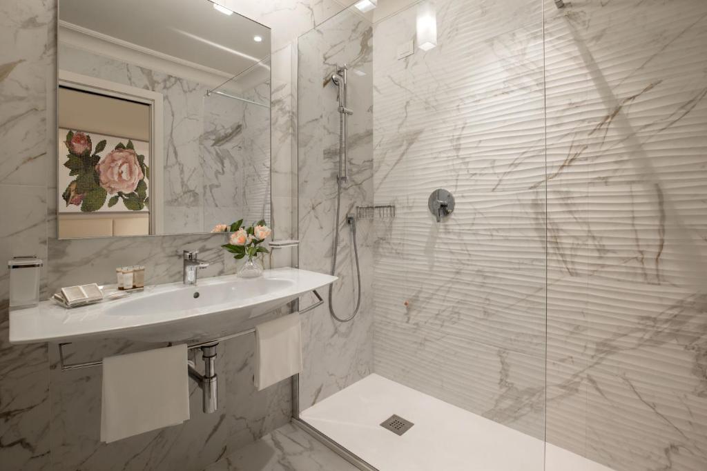 A bathroom at Hotel Cristoforo Colombo