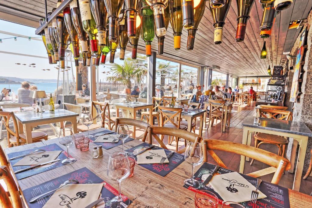 Hotel La Table De Jeanne Erquy France Booking Com