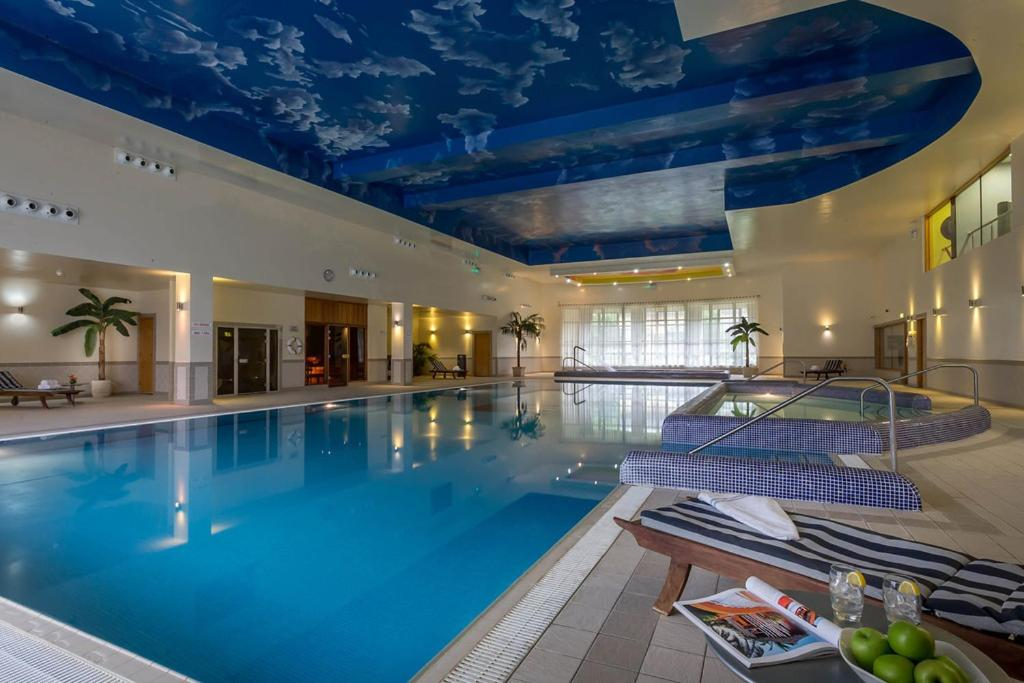 The swimming pool at or near Mullingar Park Hotel