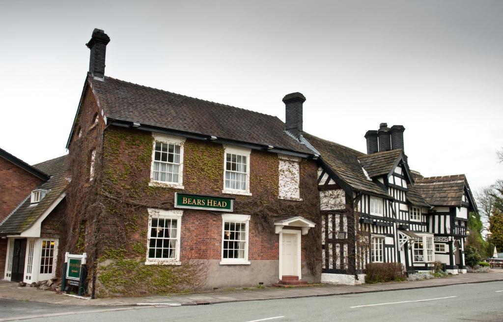 Innkeeper's Lodge Sandbach, Holmes Chapel in Sandbach, Cheshire, England