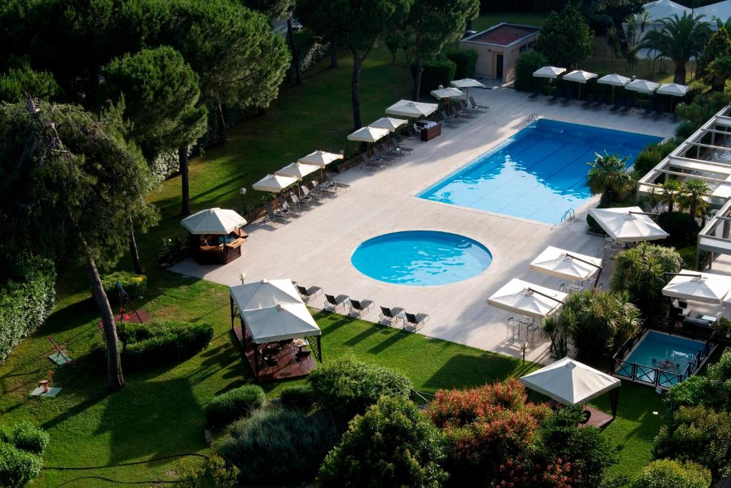 A view of the pool at Holiday Inn Rome - Eur Parco Dei Medici or nearby