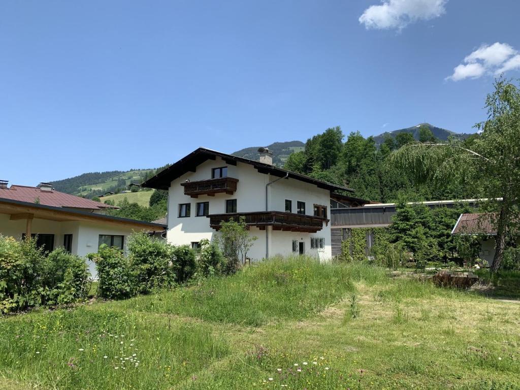 A renovated farmhouse dating from 1711 - Hopfgarten im