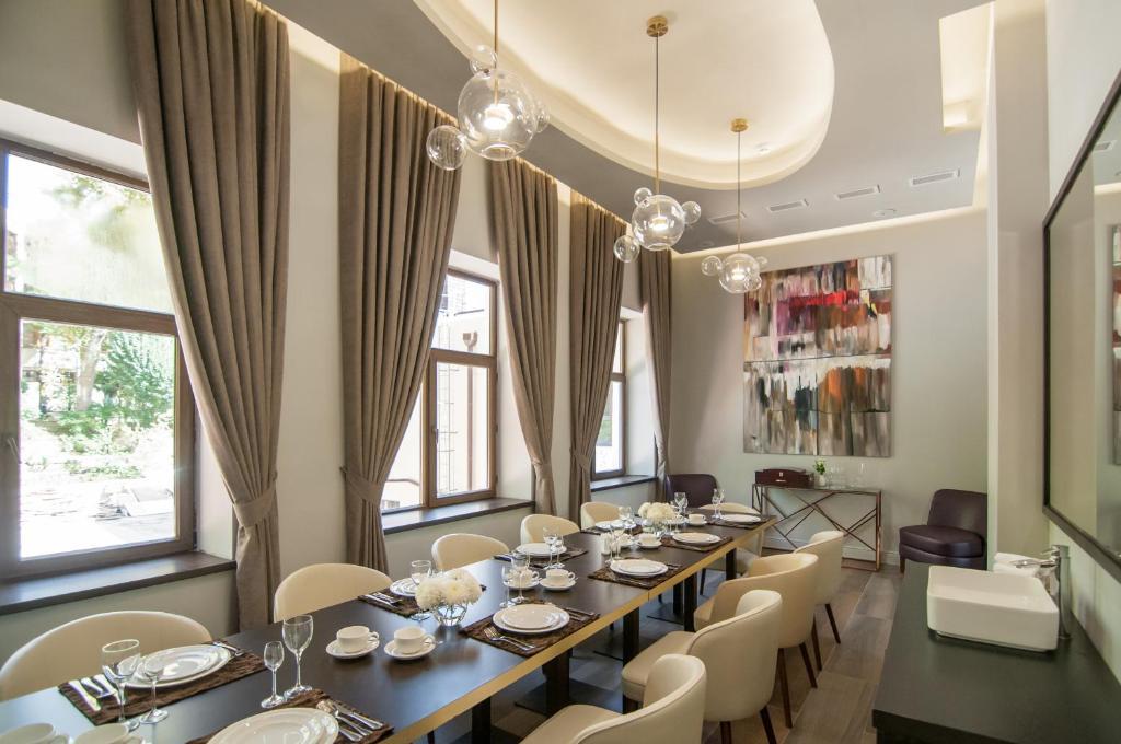 Ресторан / где поесть в Санаторий Золотой Колос