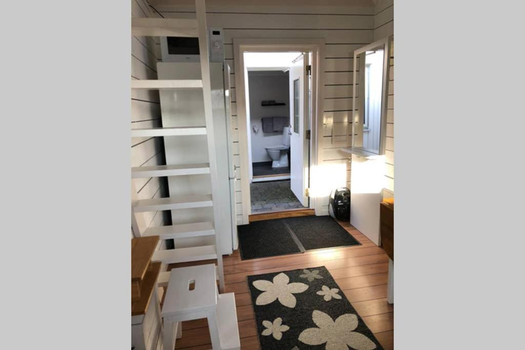 Frsch stuga p STYRS vid havet m egen badbrygga! - Airbnb