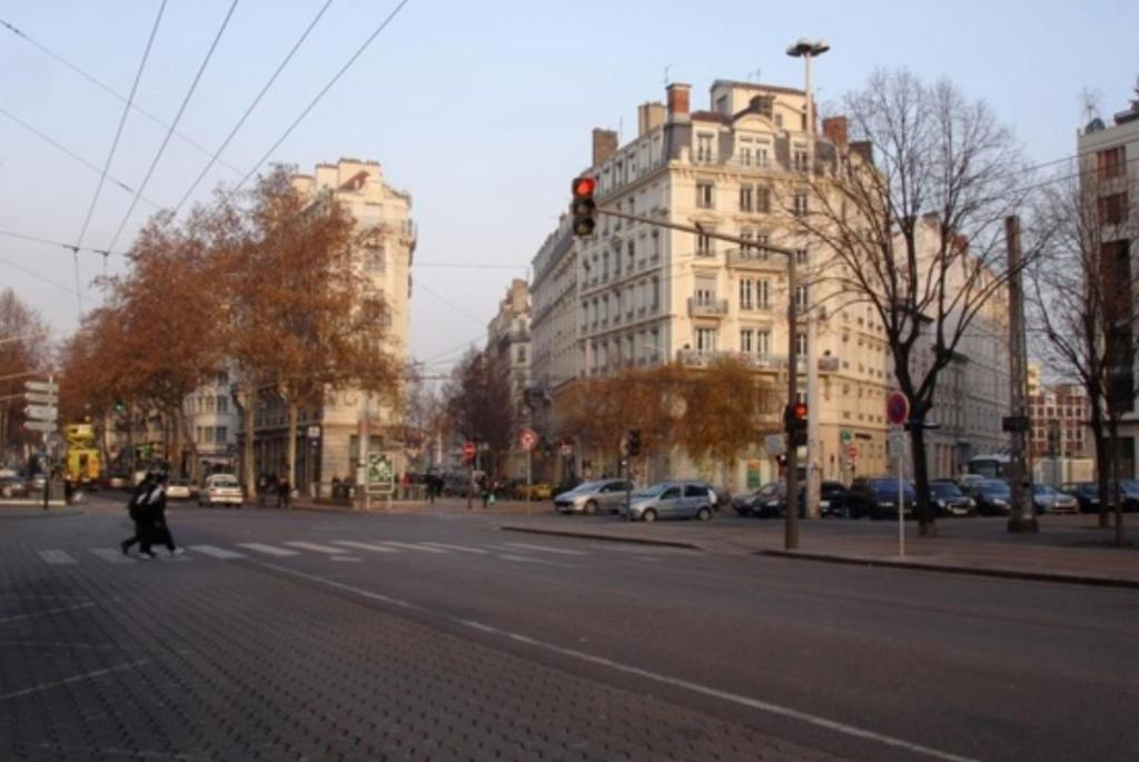 Apartment Le Cabaret Vip Spa Lyon France Booking Com