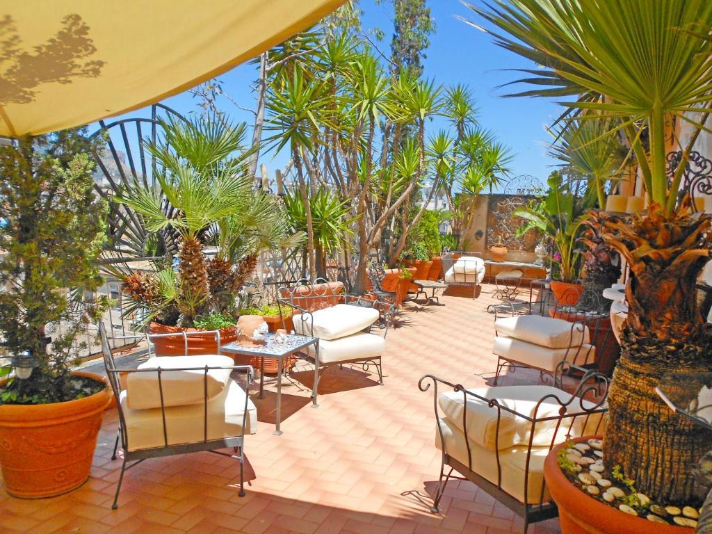 Palme Da Vaso Per Esterno locazione turistica giardino delle palme, palermo – prezzi