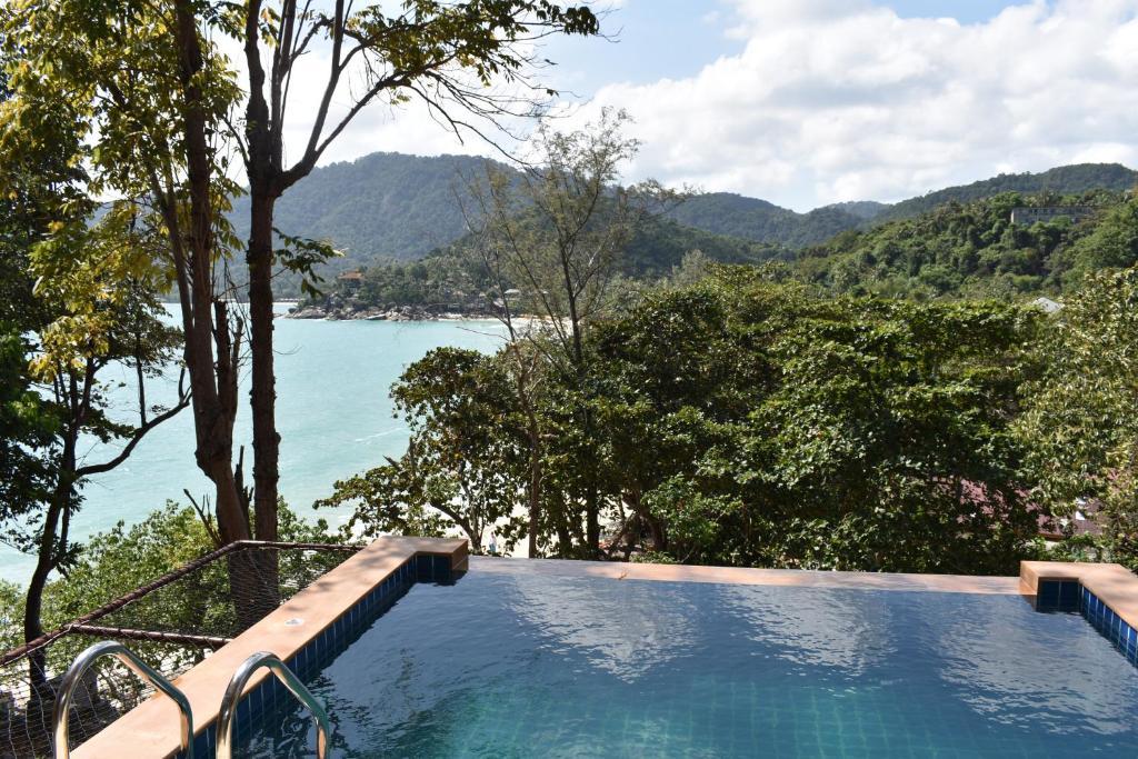 The swimming pool at or near Thongtapan Resort