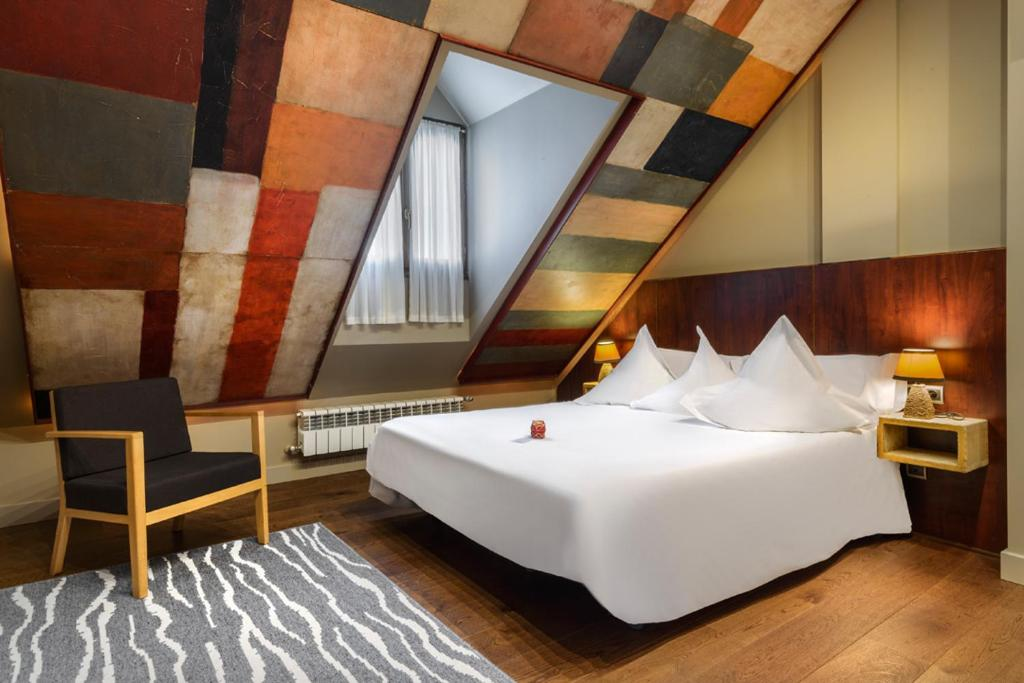 hoteles con encanto en lanuza  12
