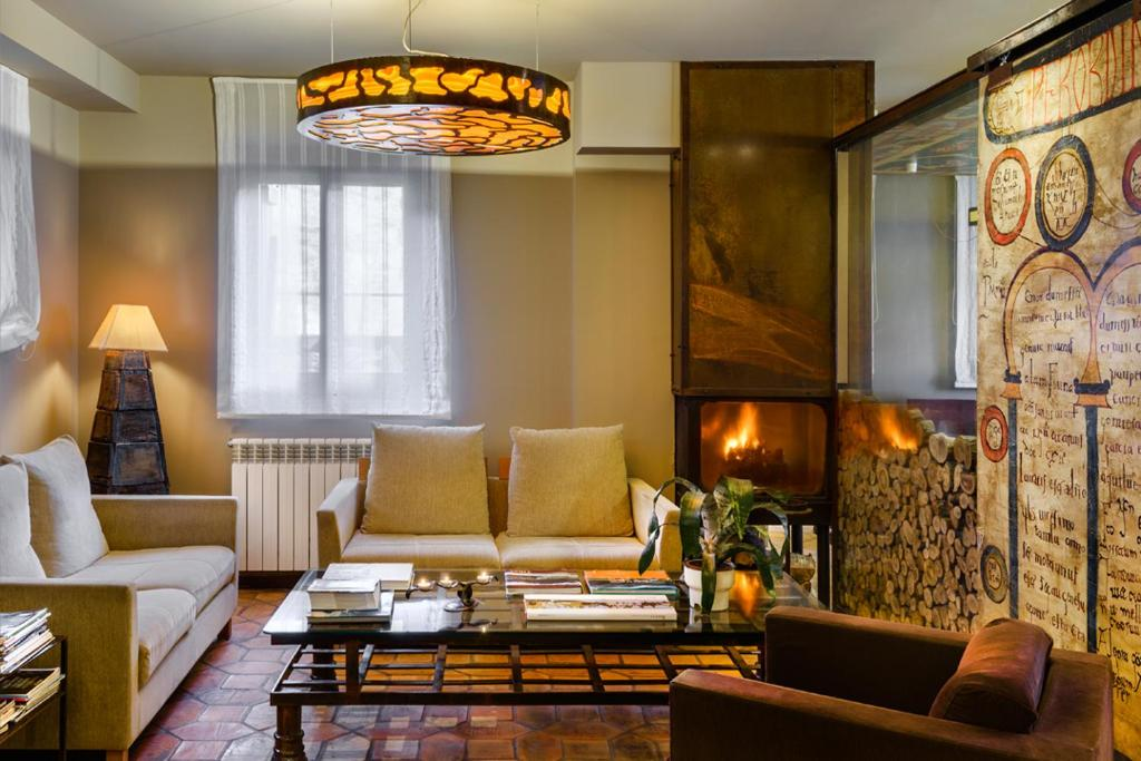 boutique hotels in huesca  235