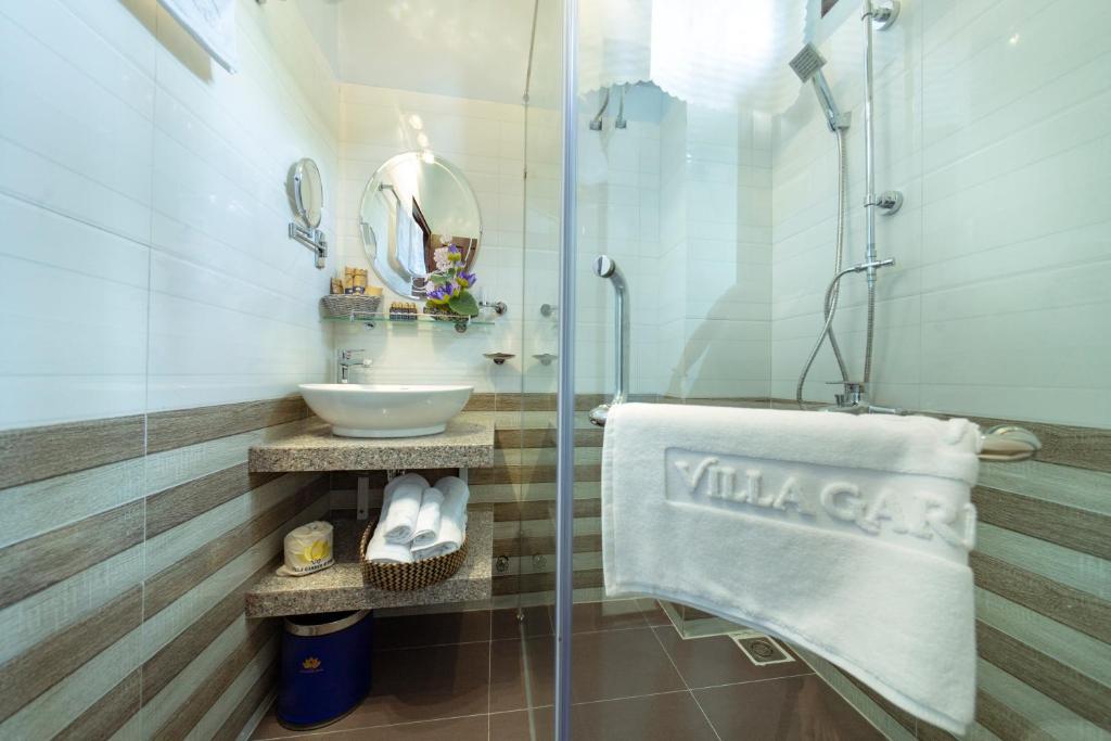 Phòng 2 Giường đơn có Ban công và Nhìn ra Hồ bơi