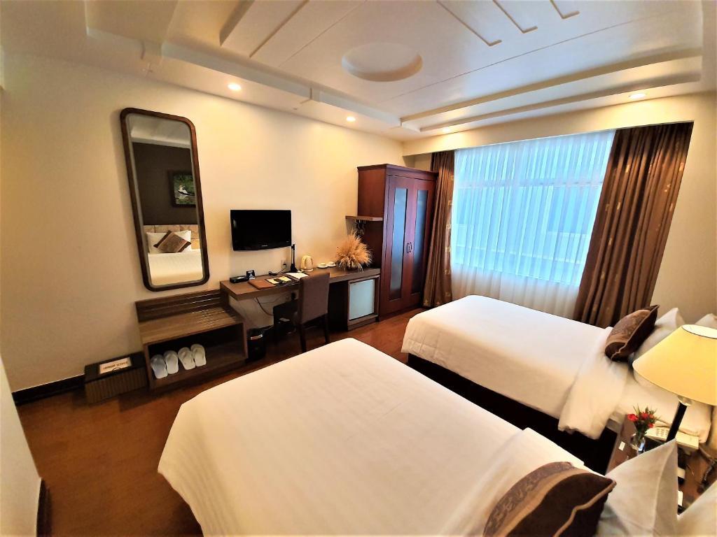 Phòng Deluxe 2 Giường Đơn Với Cửa Sổ