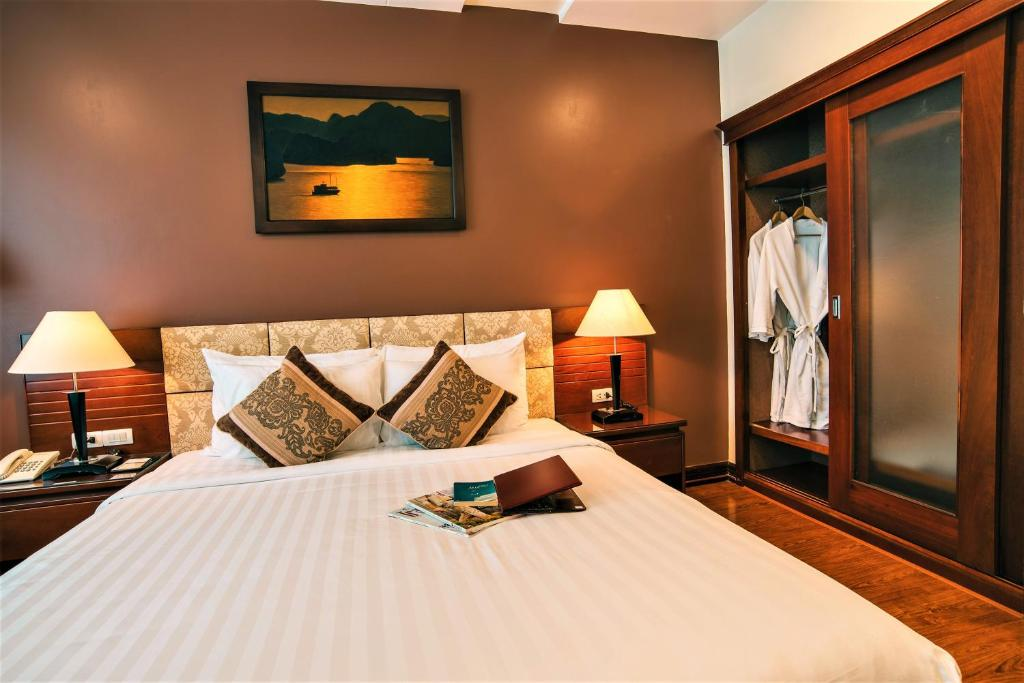 Phòng Deluxe Giường Đôi Với Cửa Sổ