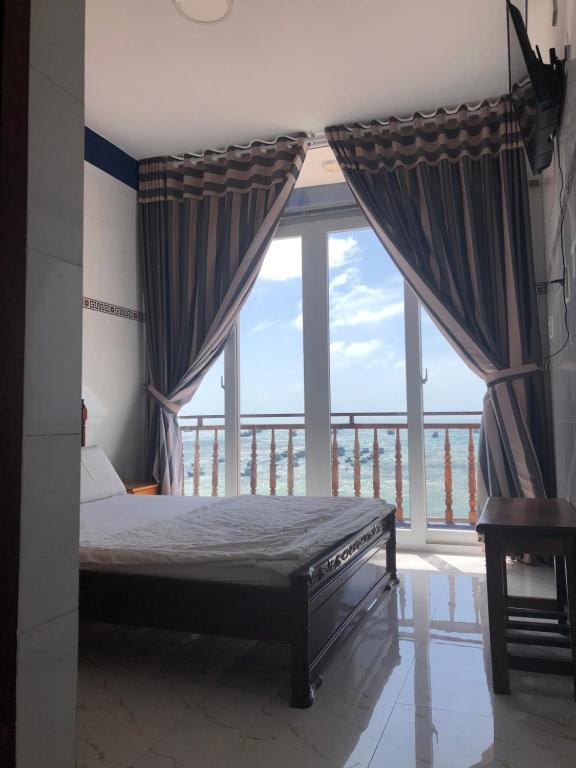 Khách sạn Hoàng Phú