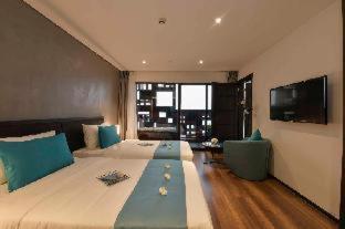 Room #459618023
