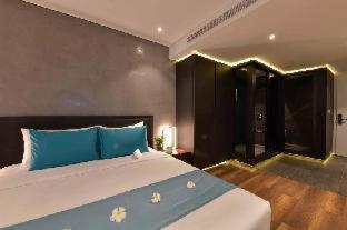 Room #459618024