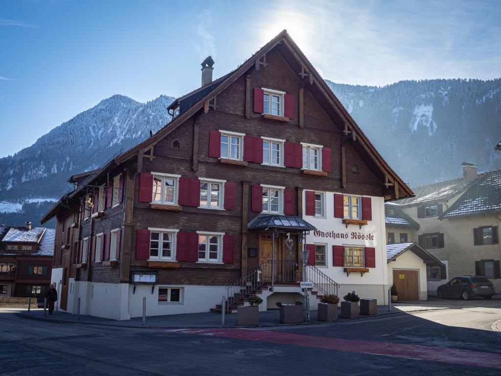 Gangbang Party Nenzing, Mann Sucht Frau Hall In Tirol