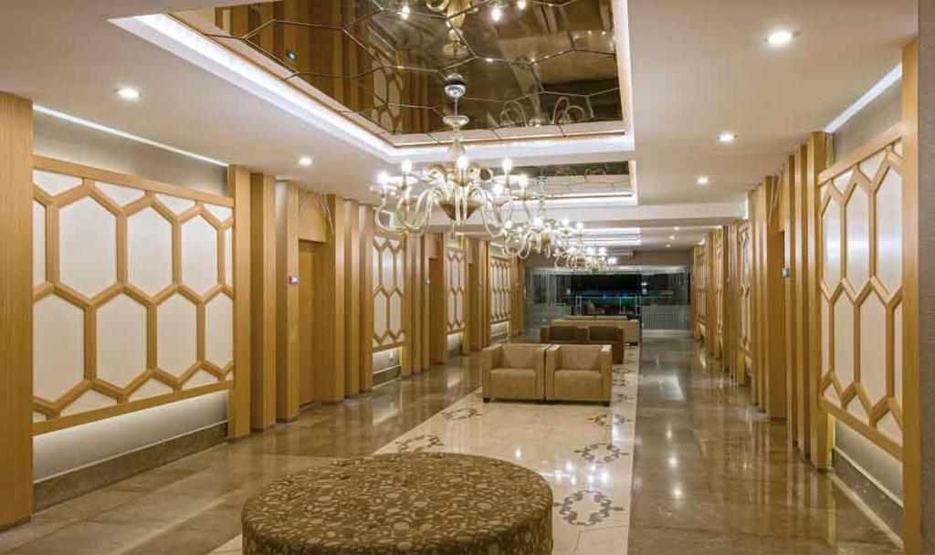 Лобби или стойка регистрации в Xperia Saray Beach Hotel