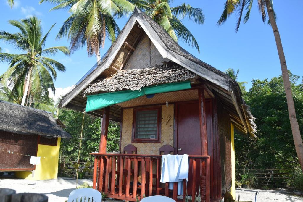 Evio Front Beach Cottages