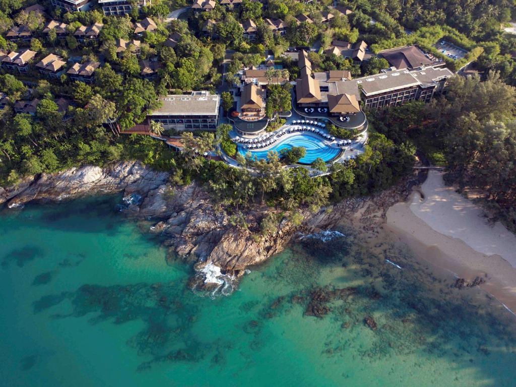 Blick auf Pullman Phuket Arcadia Naithon Beach aus der Vogelperspektive