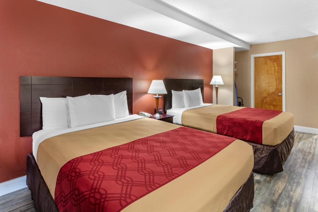 Econo Lodge Inn and Suites Old Saybrook
