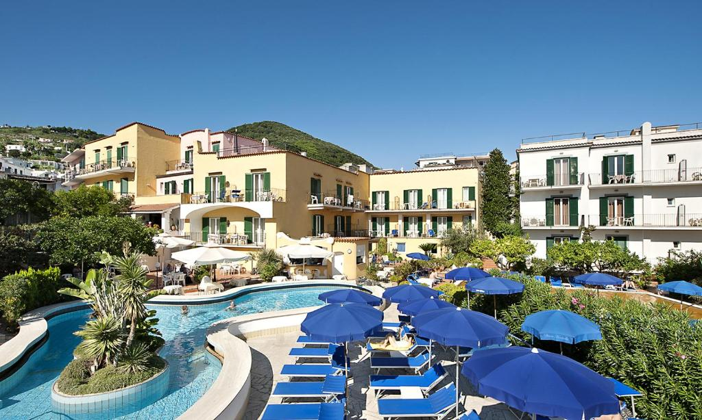 A view of the pool at Hotel Royal Terme or nearby