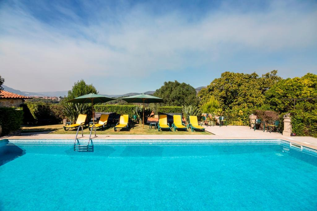 The swimming pool at or close to Quinta Da Aldeia