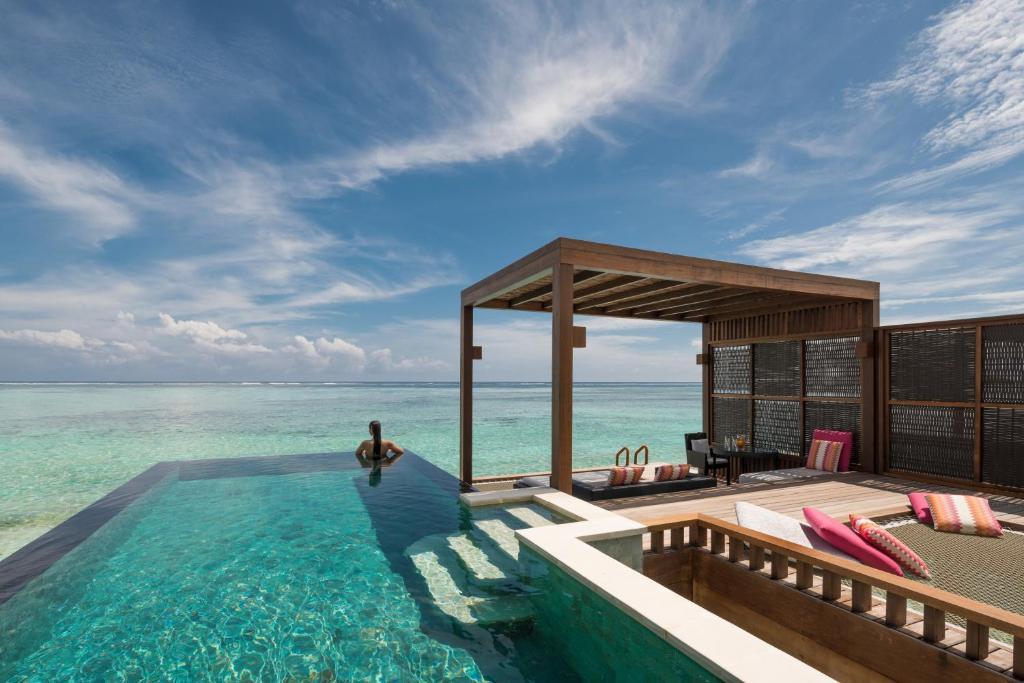 Resort Four Seasons Kuda Huraa, North Male Atoll, Maldives ...