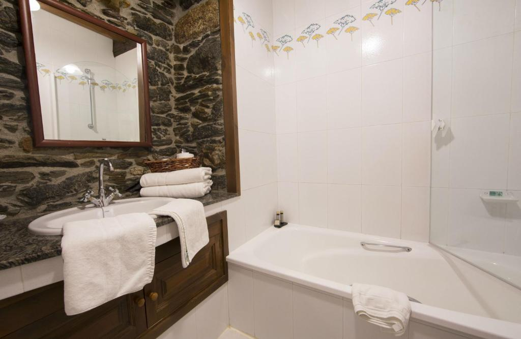 boutique hotels in viveiro  8