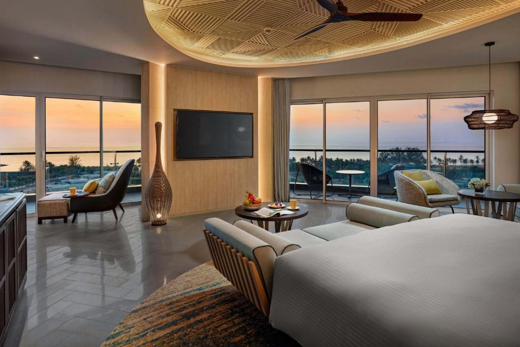 Suite Có Giường Cỡ King Nhìn Ra Biển Kèm Quyền Sử Dụng Lounge