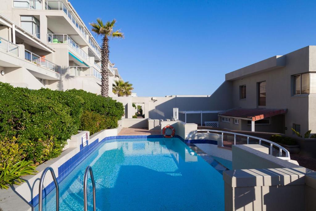 Dolphin Beach Hotel Self Catering Apartments