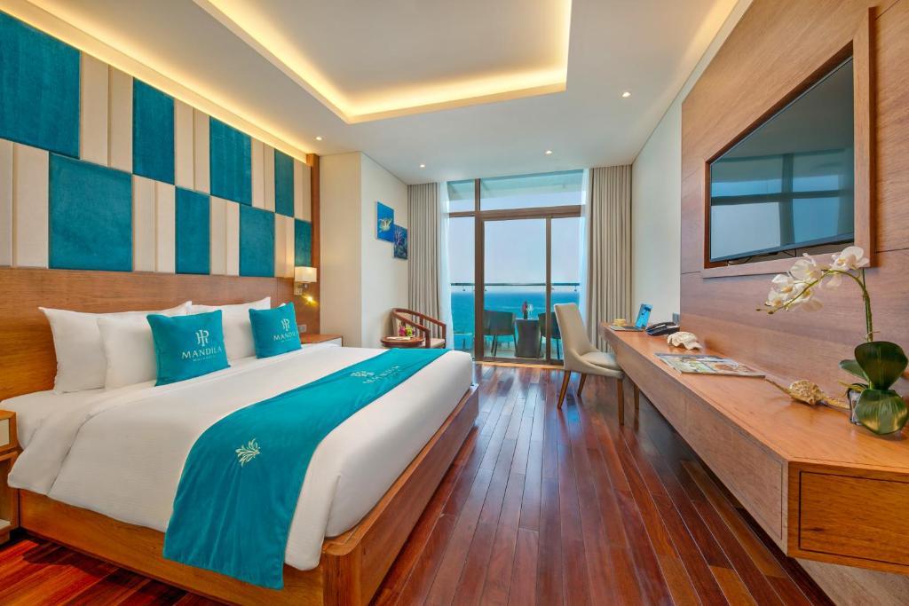 Phòng Deluxe Giường Cỡ King Với Ban Công Và Tầm Nhìn Ra Đại Dương