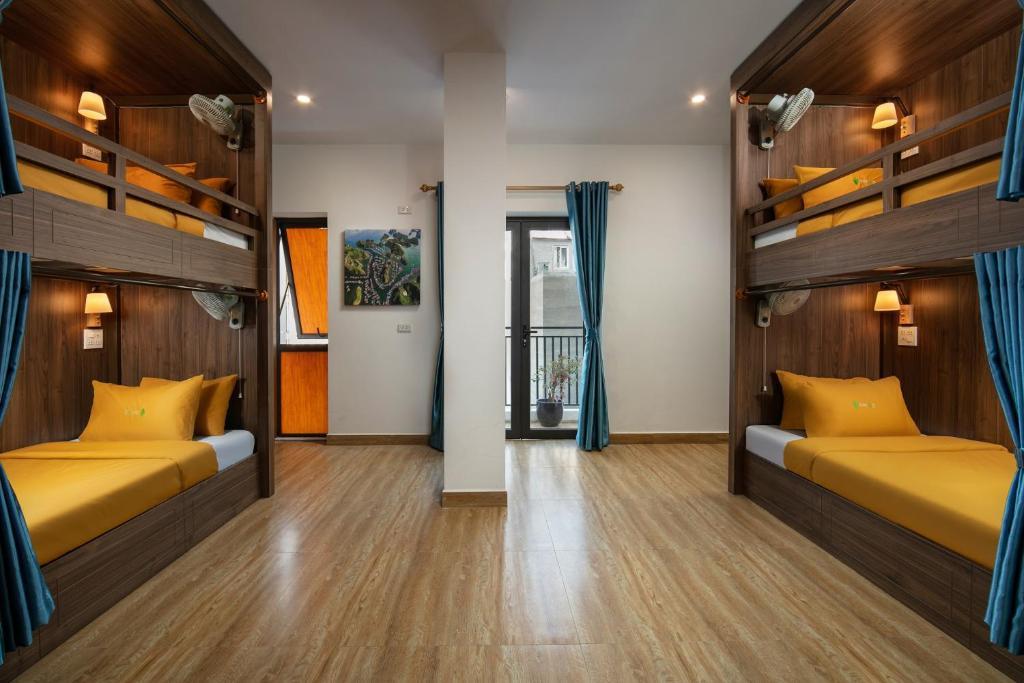 Giường trong Phòng ngủ tập thể cả Nam và Nữ 4 Người