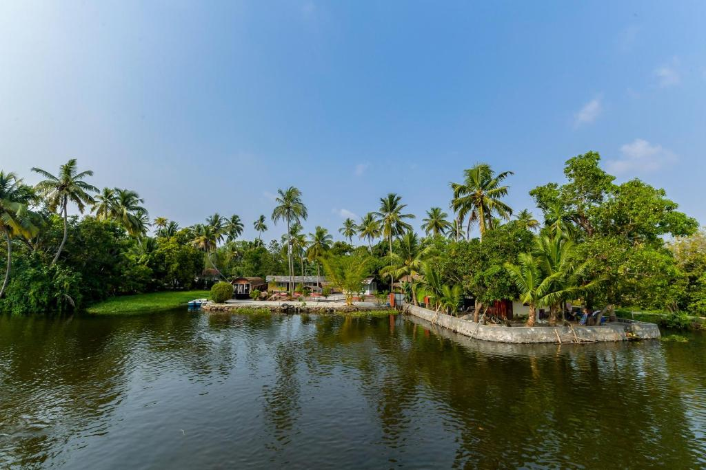 Island Lake Resort Alleppy