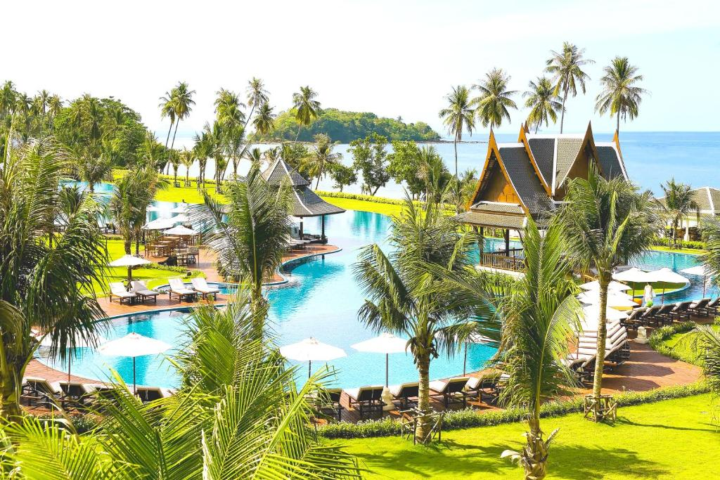 A view of the pool at Sofitel Krabi Phokeethra Golf and Spa Resort or nearby