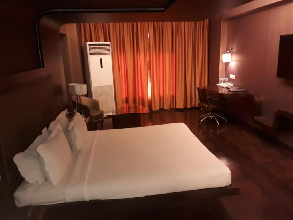 Cocoon Design Bank.Hotel Cocoon Dhanbad India Booking Com