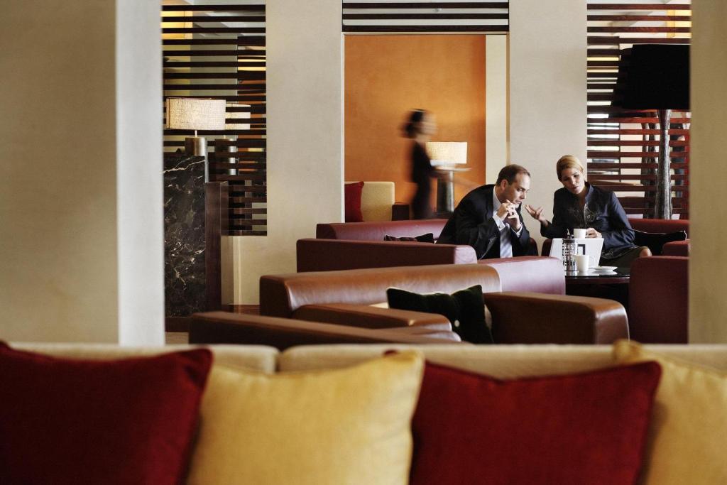 Phòng Club InterContinental - Gói Nghỉ Dưỡng Lãng Mạn