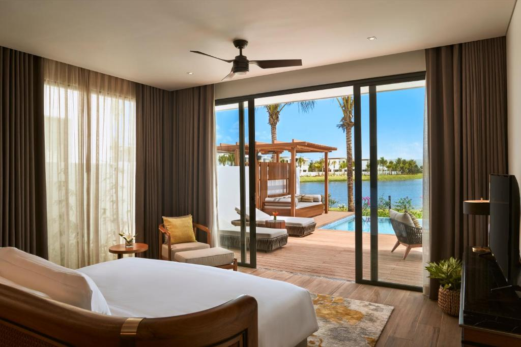 Biệt thự 2 Phòng Ngủ Với Hồ Bơi Riêng Và Tầm Nhìn Ra Hồ Nước