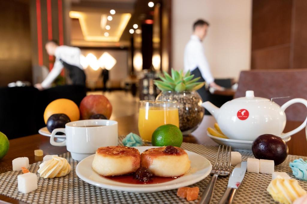 Завтрак для гостей Отель Горки Панорама
