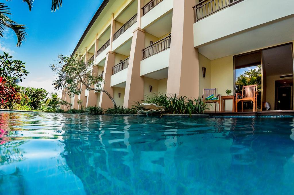 The swimming pool at or near The Natsepa Resort and Conference Center