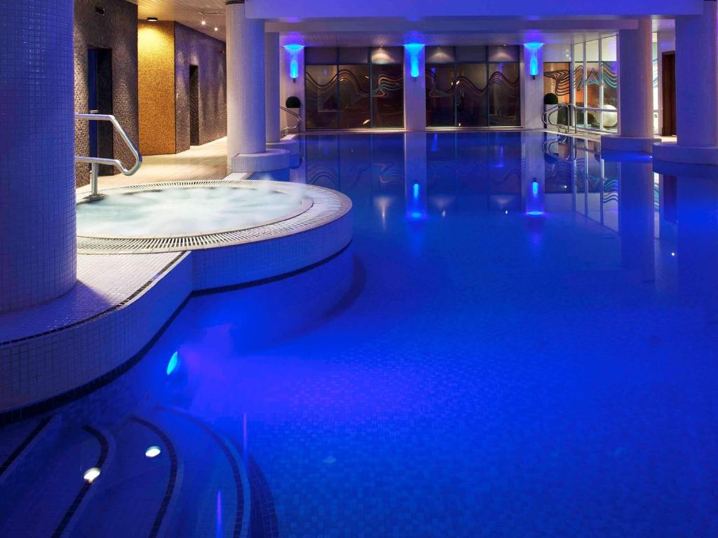 The swimming pool at or near Novotel Cardiff Centre