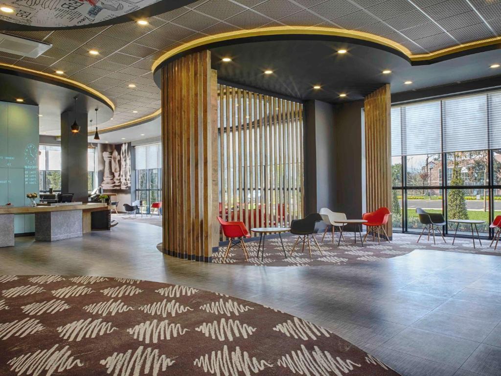 Лобби или стойка регистрации в Ibis Istanbul Tuzla Hotel
