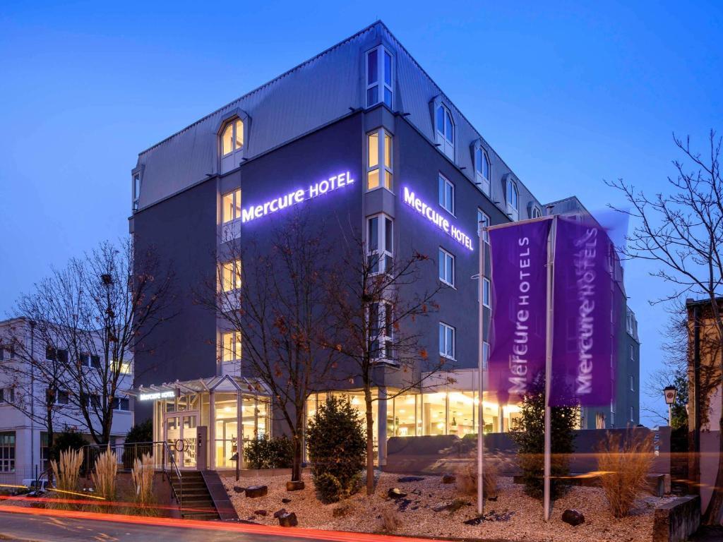 Hotel Mercure Stuttgart Zuffenhausen Germany Booking Com