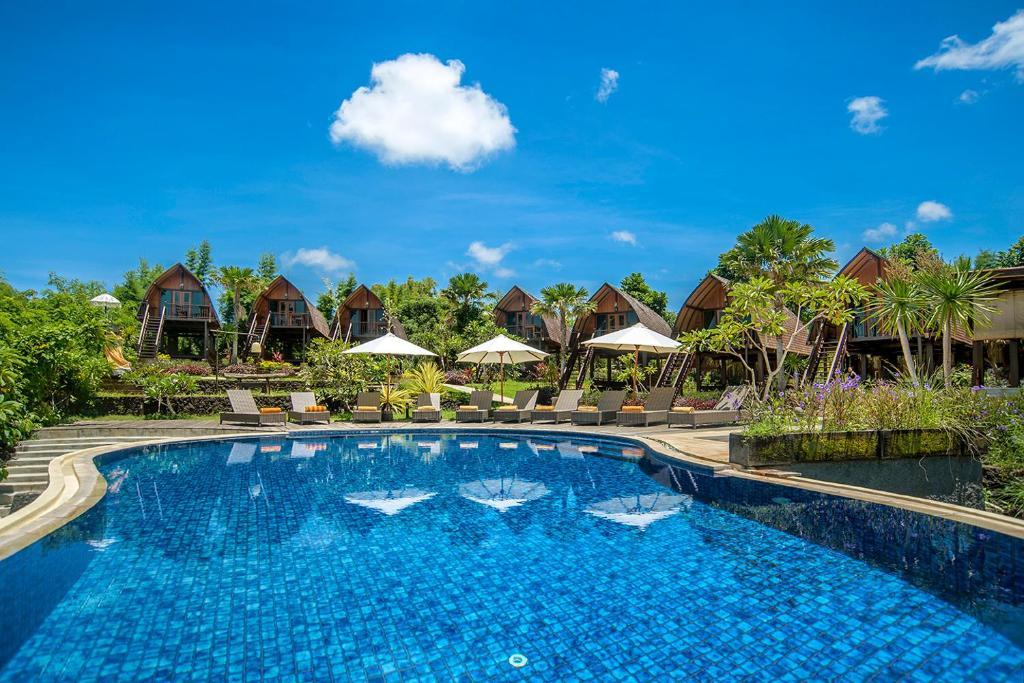 The swimming pool at or close to The Kirana Ungasan