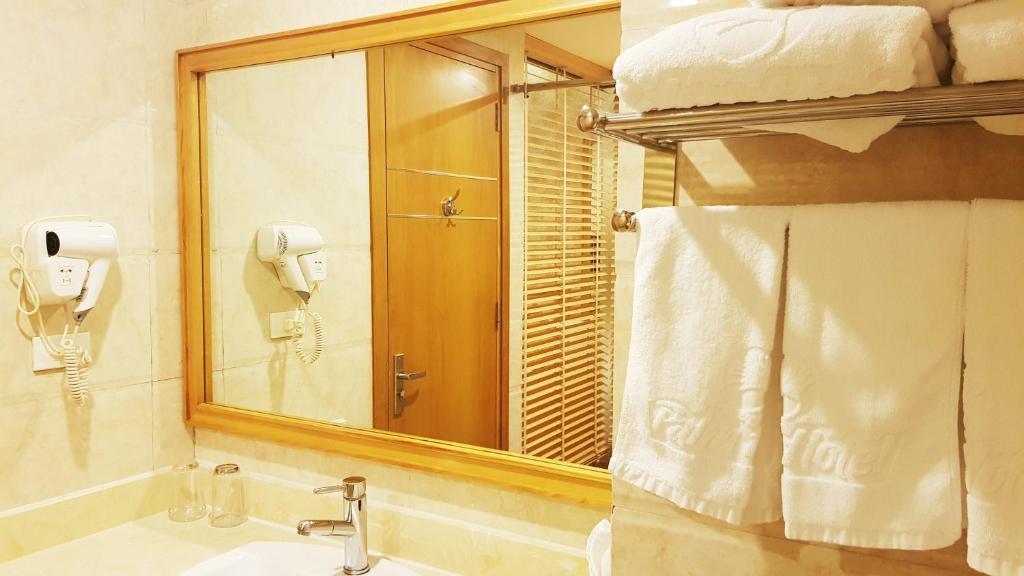 Phòng 3 người với phòng tắm