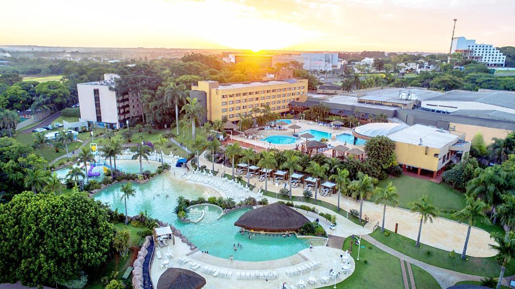 Uma vista aérea de Mabu Thermas Grand Resort