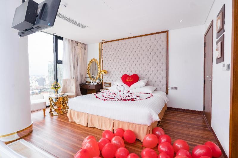 Room #142606174