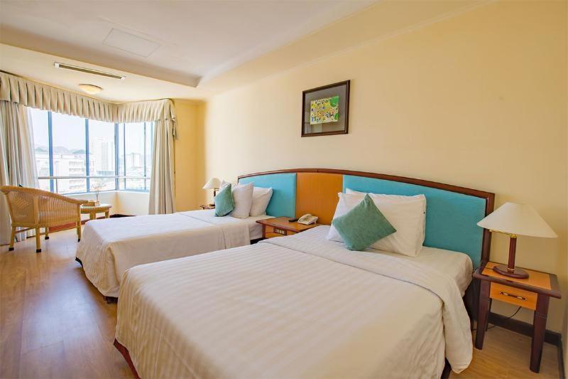 Room #25733122